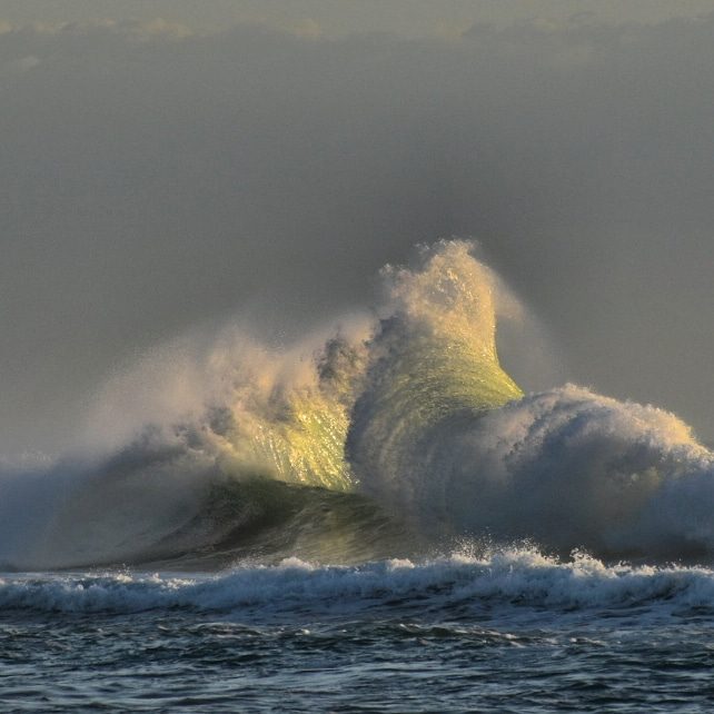 Explosion of Sea and Light